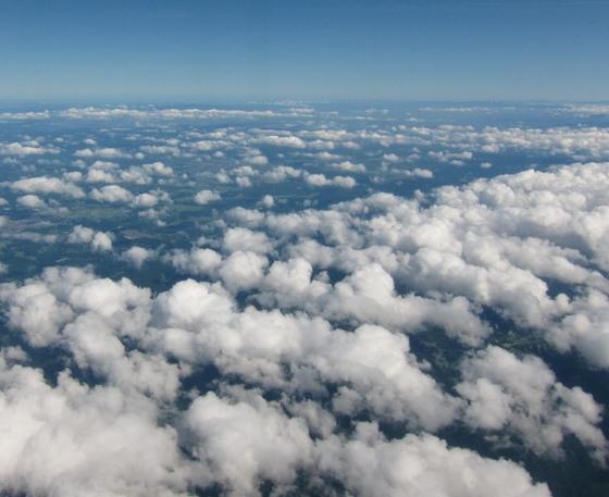 7月に上空から見た雲.jpg